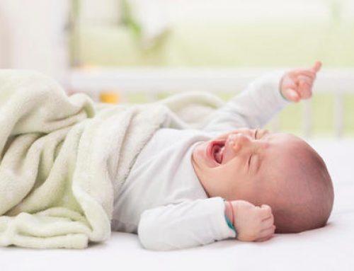 Por que meu filho não dorme sozinho?